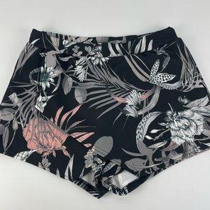 BOOHOO Size 12 Crossover Elastic Waist Shorts